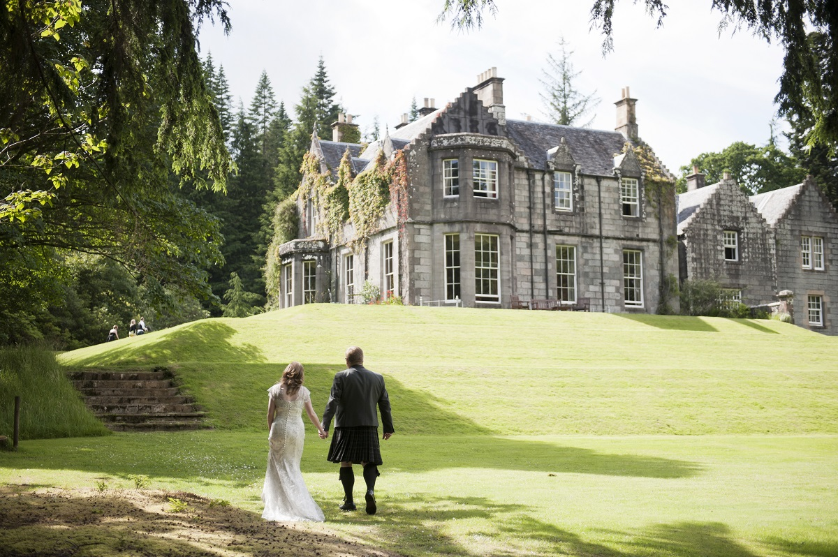 Scottish wedding hotels: Ardanaiseig