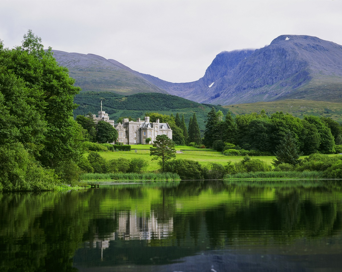 Wedding hotels in Scotland: Inverlochy
