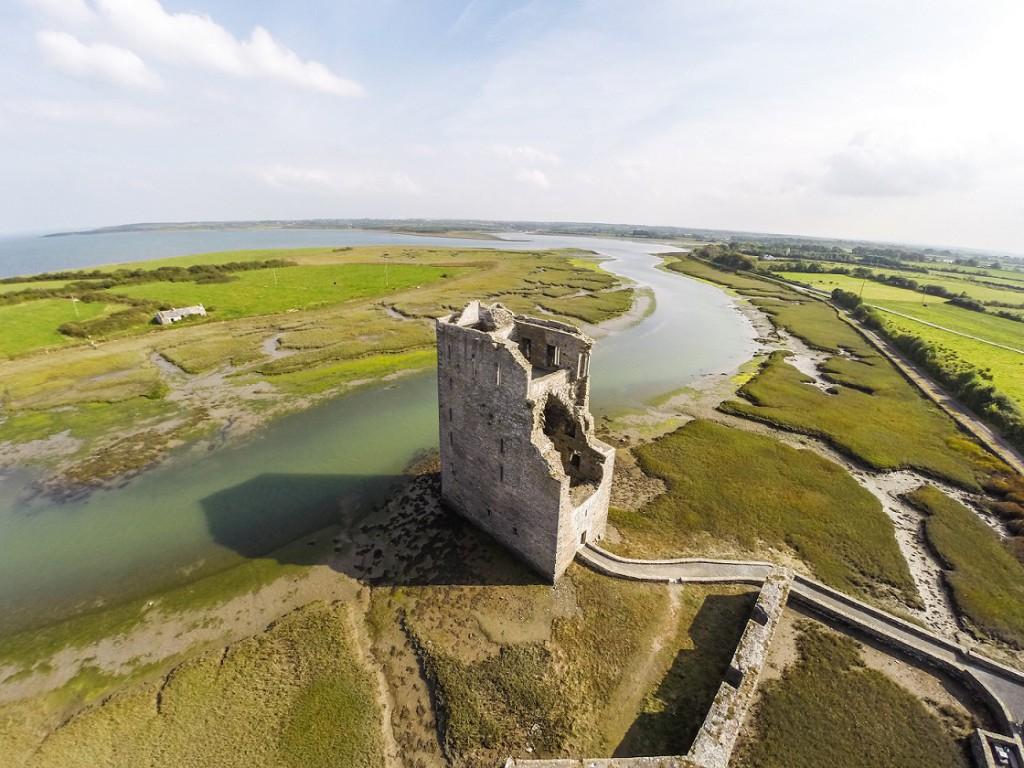 Wild Atlantic Way - Carrigafoyle Castle