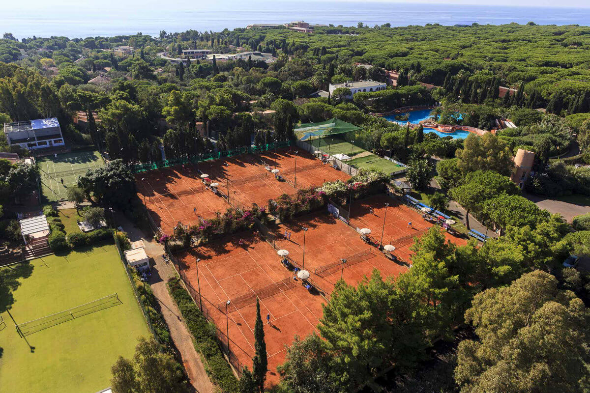 Tennis court at the Forte Village Sardegna
