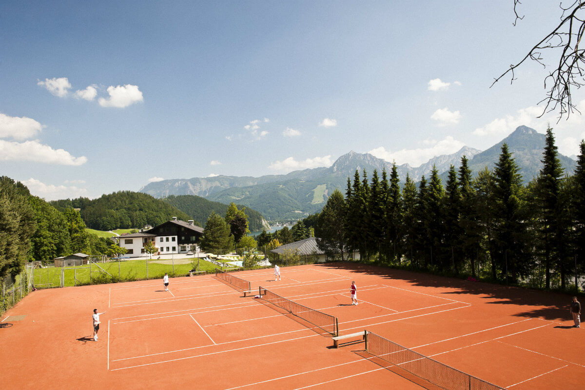 Tennis court at the Vitahotel Wolfgangsee