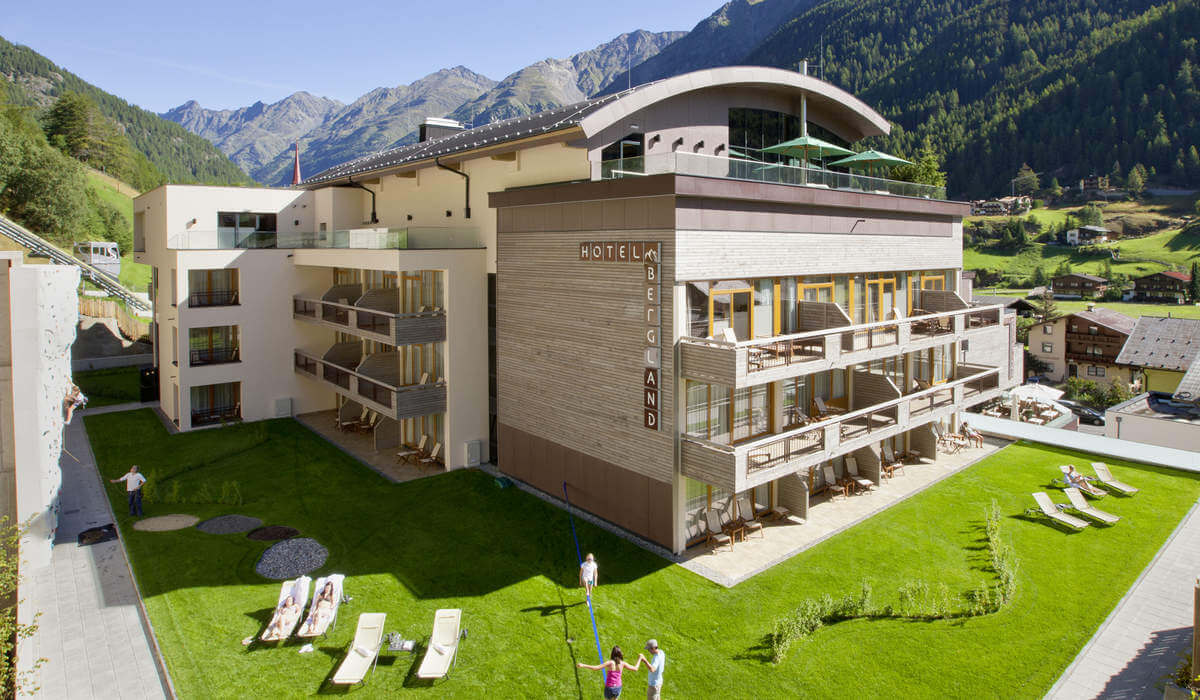 James Bond hotels: Bergland, Austria