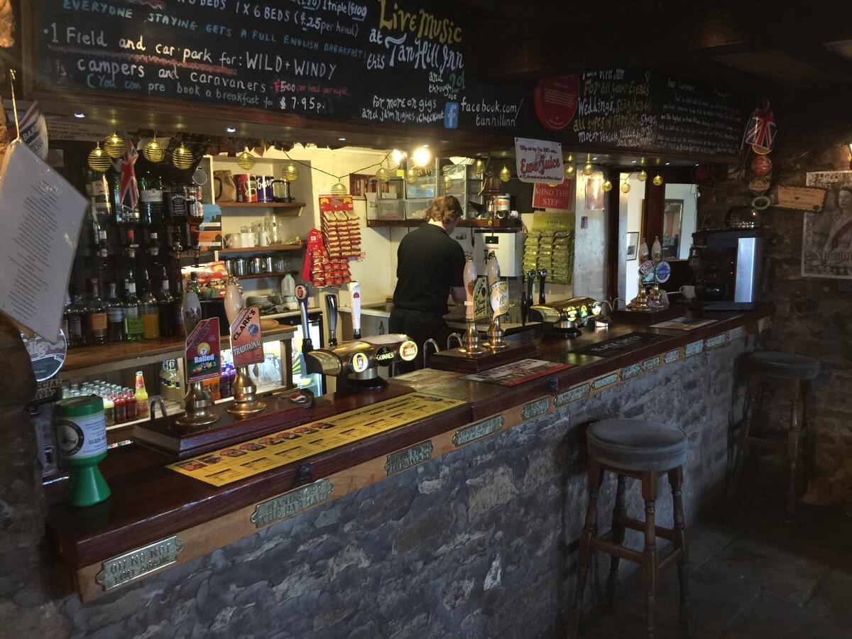 tan hill inn, bar
