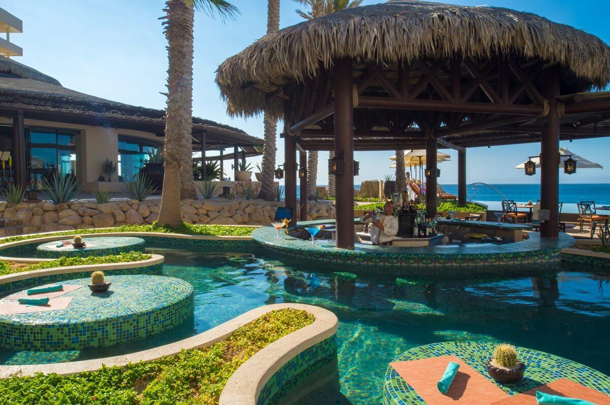 Bar alberca hotel Solmar