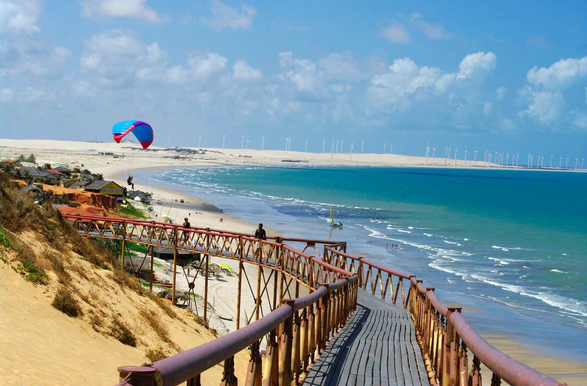 Praia de Canoa Quebrada, em Aracati, interior do Ceará