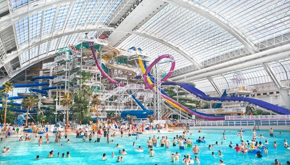 Parque aquático Fantasyland Hotel Edmont Canadá