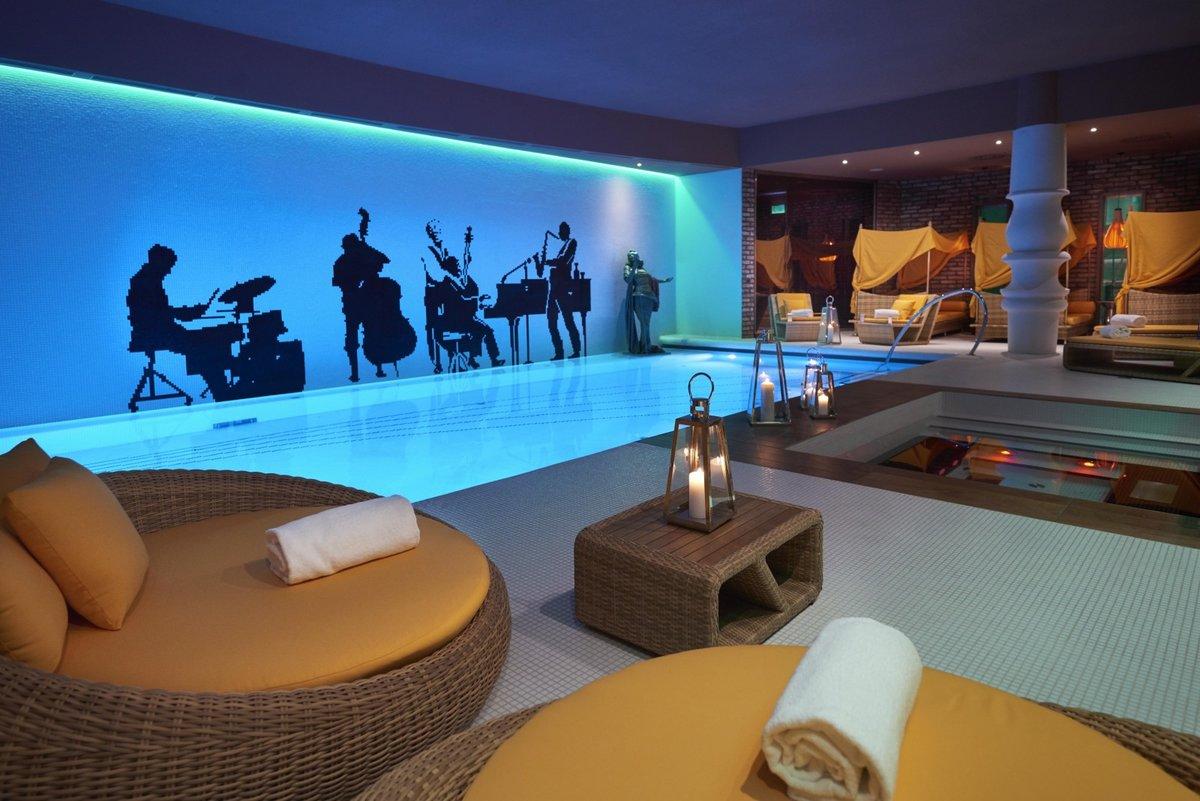aria-hotel-budapest-hu-pool