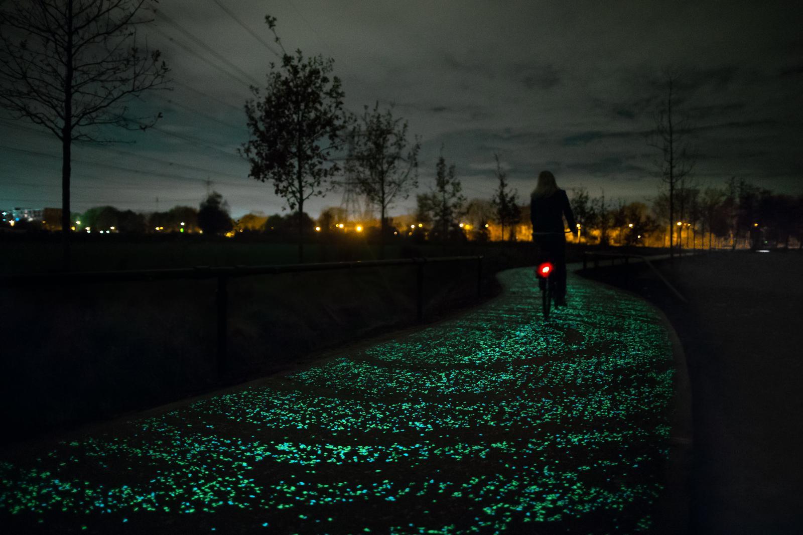 rsz_eindhoven_-van_gogh-roosegaarde_fietspad