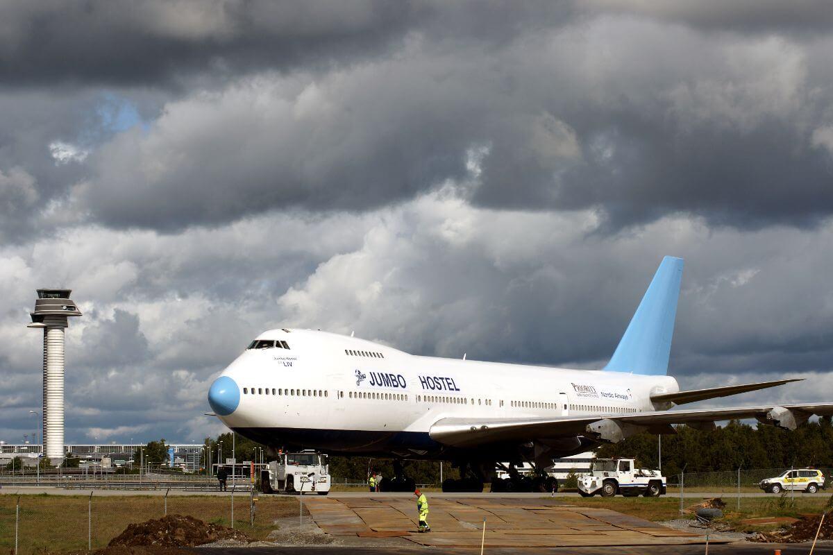 Aeroplane geeks can spend a night sleeping in this jumbo jet hotel.