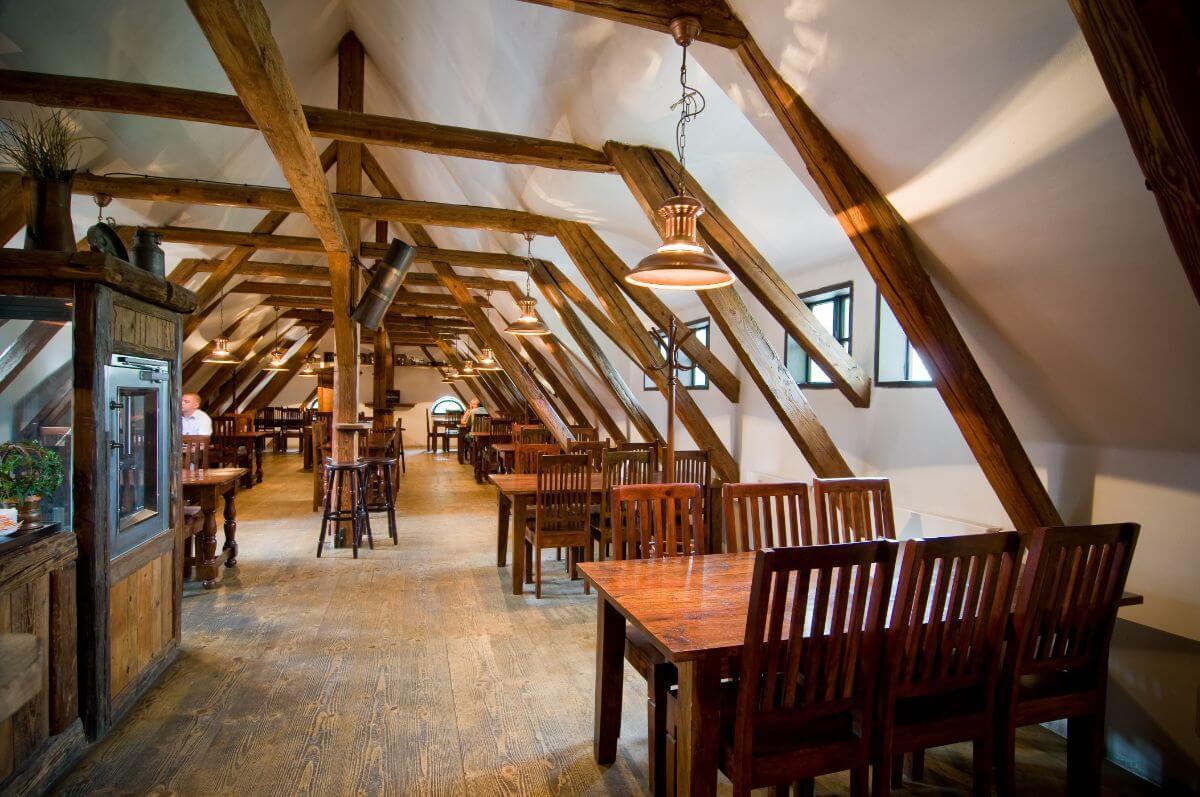 Lovers of beer will appreciate the Zamek Zabreh beer hotel.