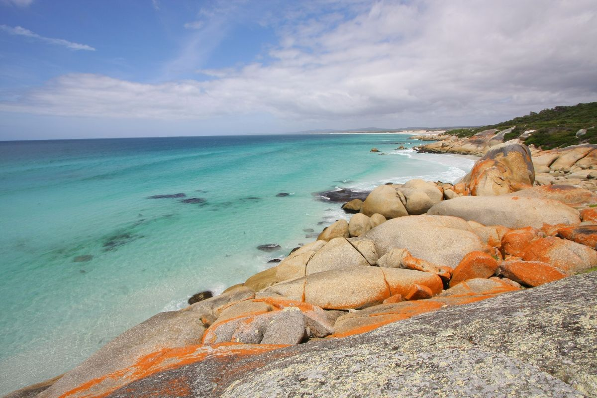 Hiking at the Bay of Fires, Tasmania