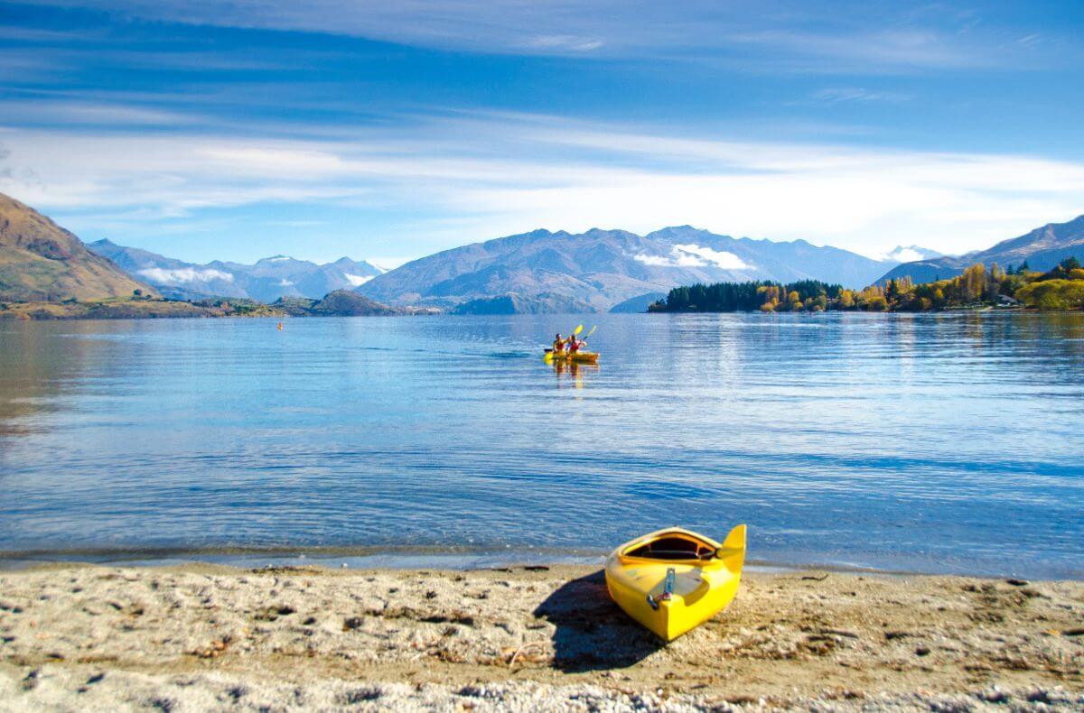Double-Kayaks-2 (c) Lake Wanaka