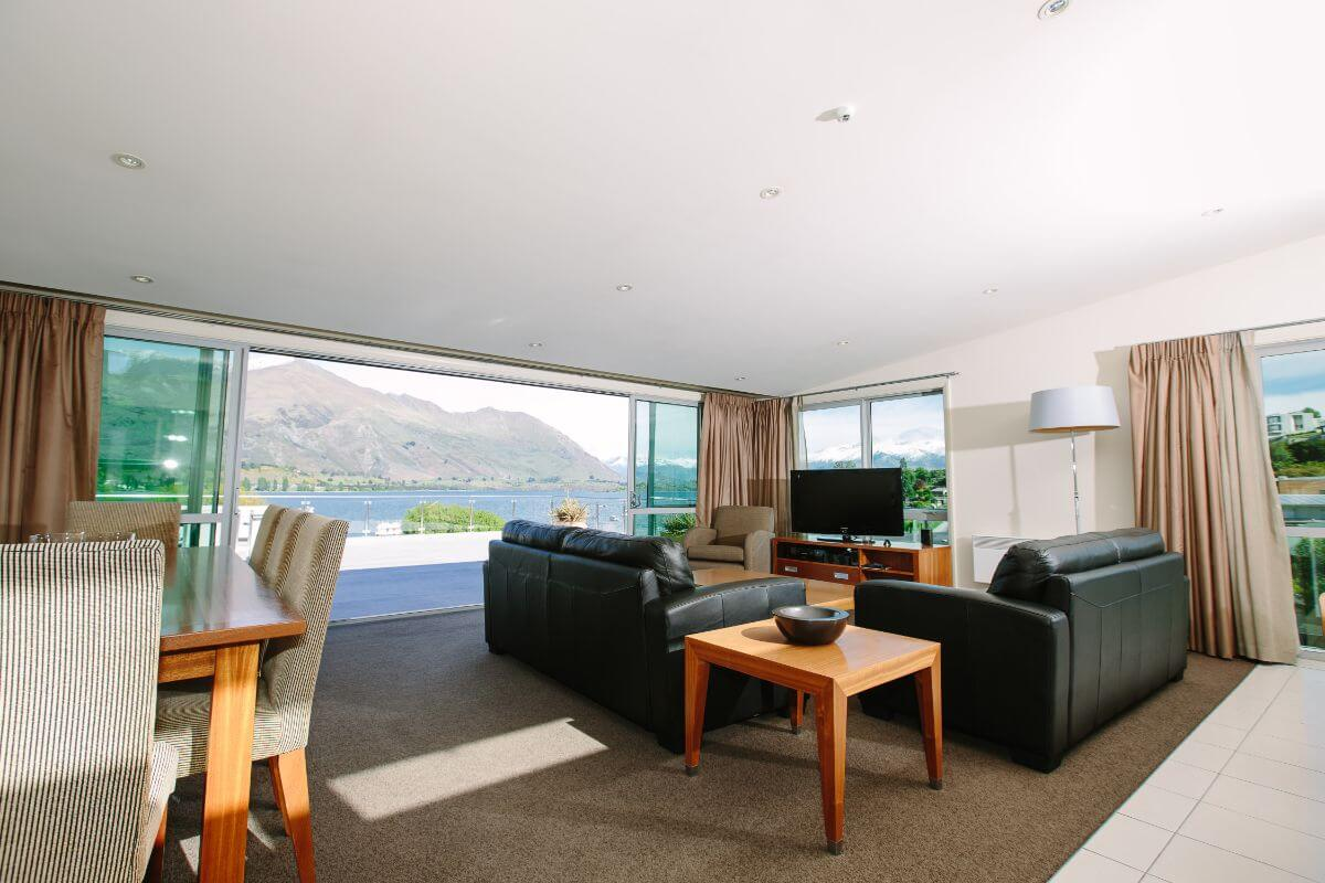 Lakeside Serviced Apartments - Top Hotel NZ - lounge