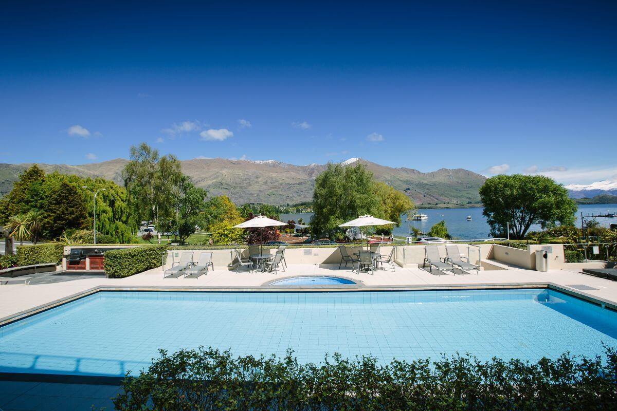Lakeside Serviced Apartments - Top Hotel NZ - pool and view