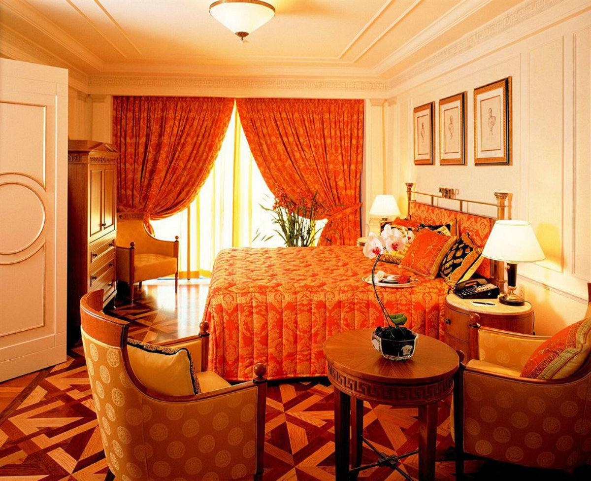 palazzo versace room