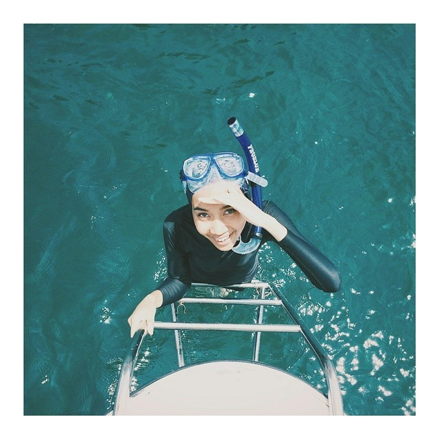 Yuna diving