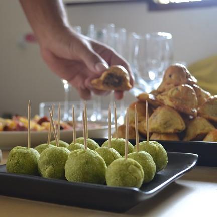 Pâtés à la viande et féroce d'avocat : plats de Noel en Martinique
