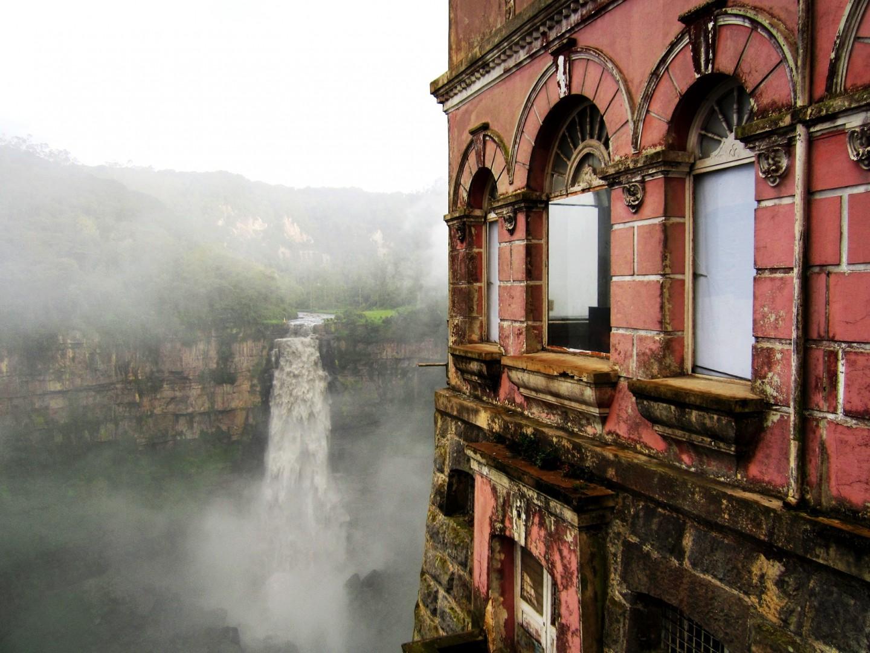 La chute de Tequendama vue de l'hôtel Del Salto
