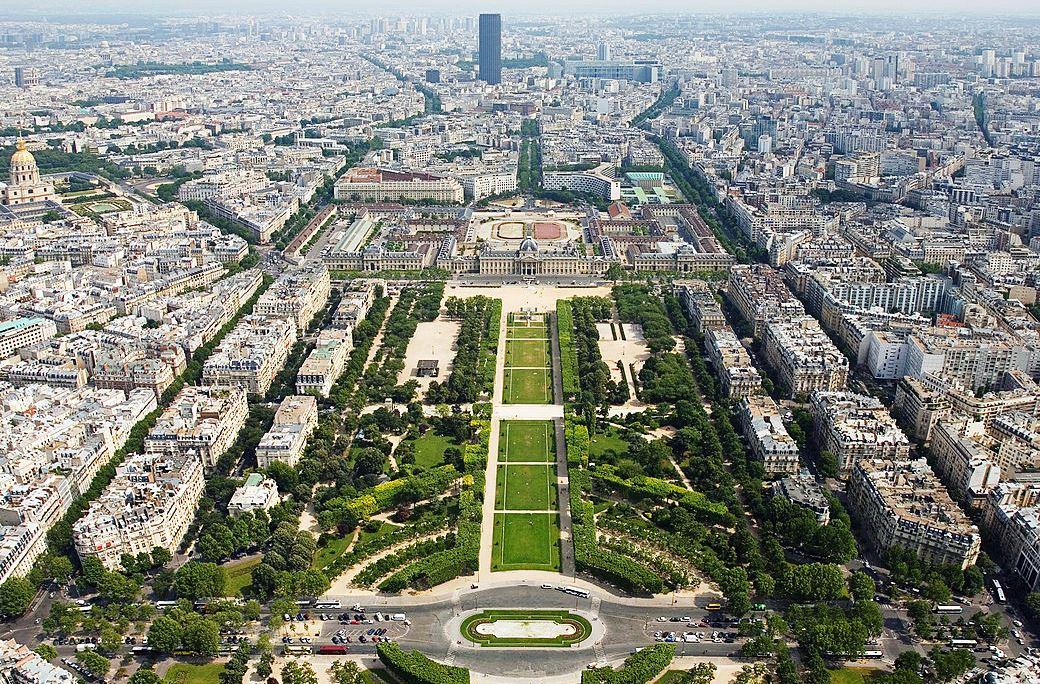 Vue du Champ de Mars depuis la Tour Eiffel