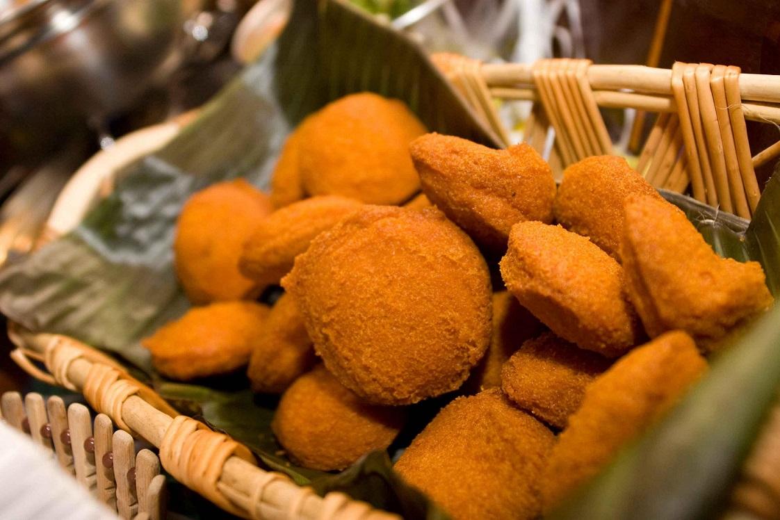 Panier d'Acarajé - spécialité culinaire du Brésil