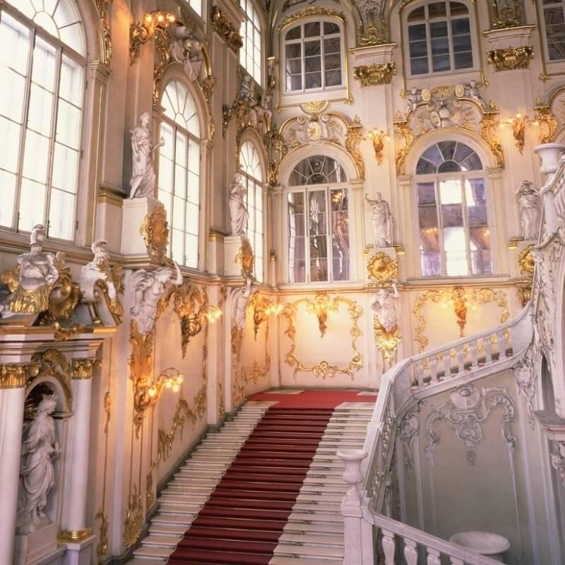 Escaliers - Musée de l'Ermitage - Saint-Pétersbourg