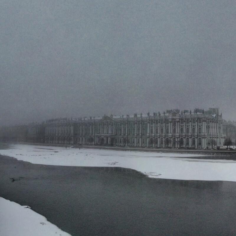 La Neva, le lac de Saint Pétersbourg gelé, face au Palais d'hiver et au musée de l'Ermitage