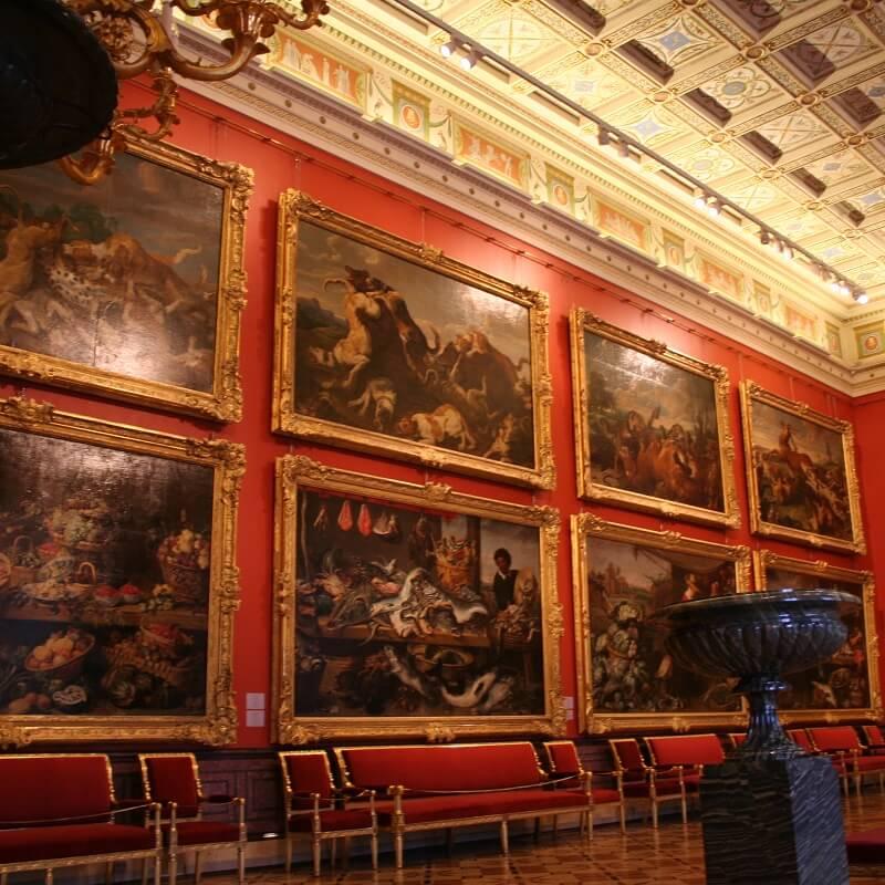 Salle de tableaux du musée de l'Ermitage