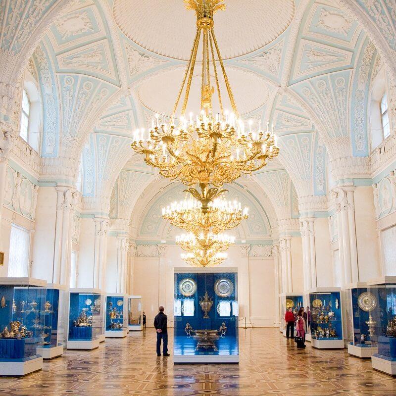 Collection d'objets en métal - Musée de l'Ermitage - Saint-Pétersbourg