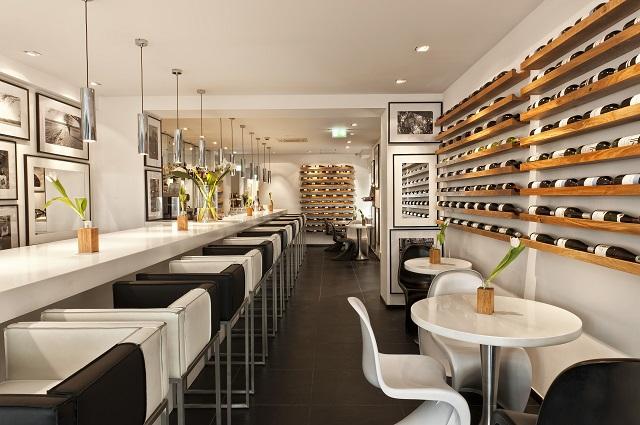 La salle du restaurant du Sir F.K. Savigny