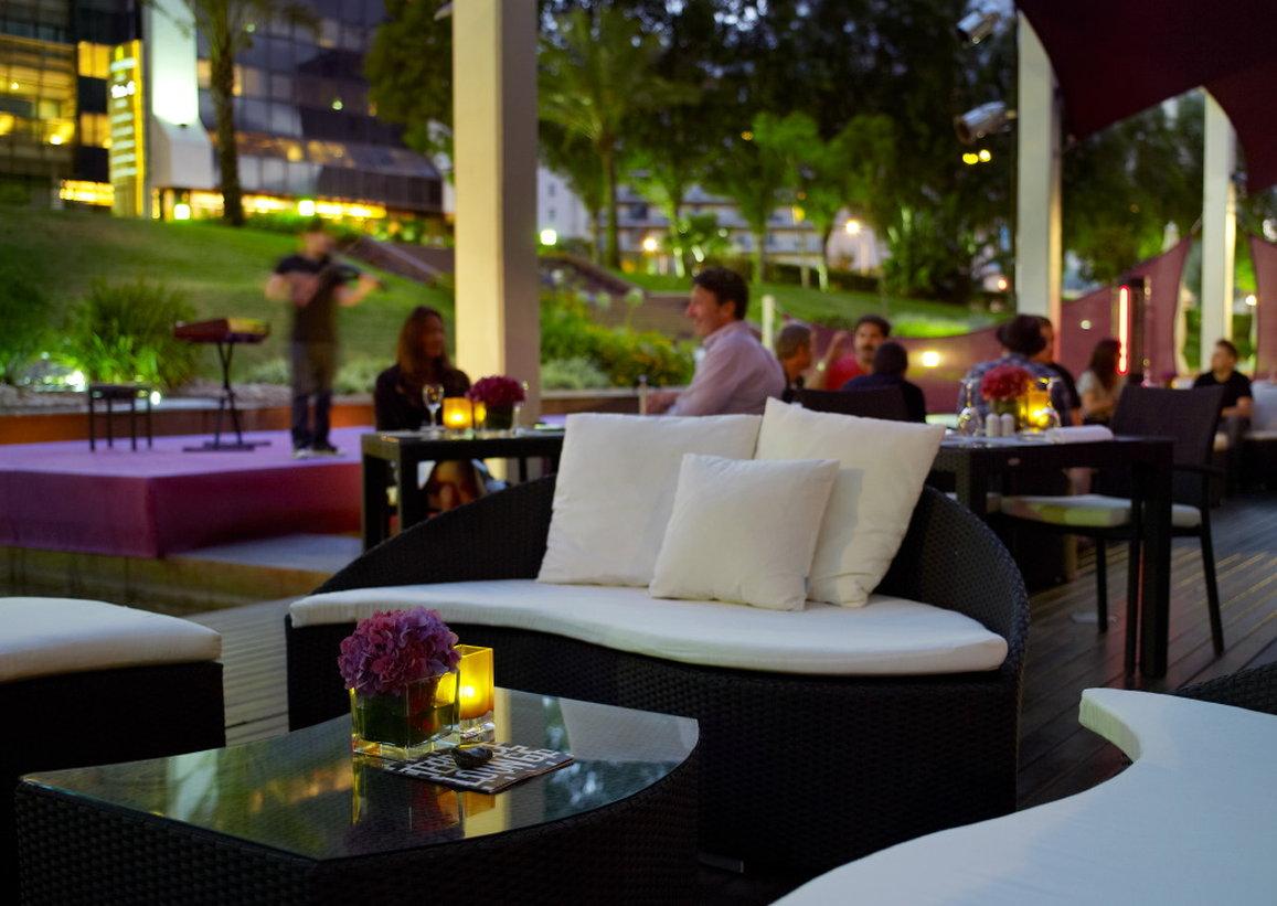 Bar Terrace Lounge à la tombée de la nuit - Hôtel Corinthia Lisbon - Lisbonne