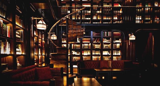 Bibliothèque et lumière tamisée - Hôtel NoMad Hotel - New-York