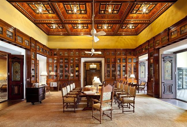Table de lecture - bibliothèque - Hôtel Taj Falaknuma Palace - Inde