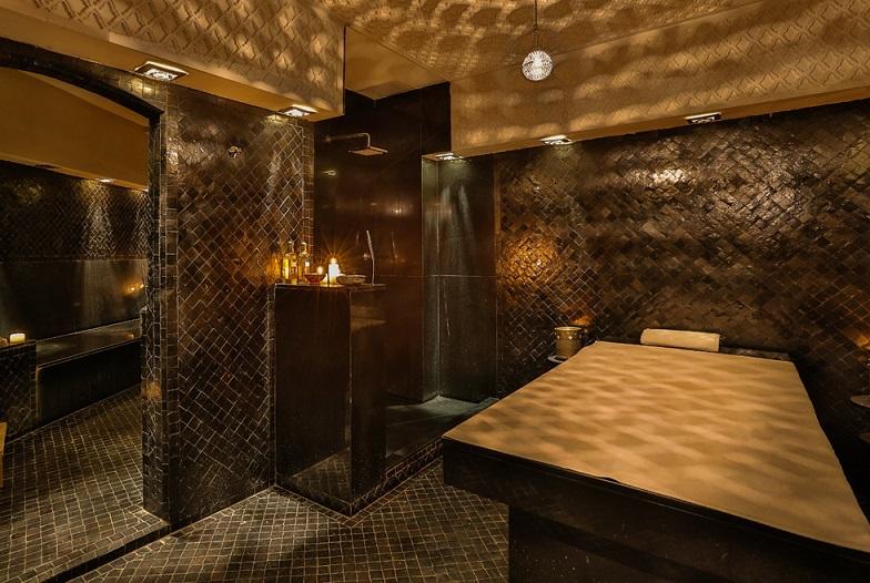 Table de massage de l'espace SPA du Bab Hotel