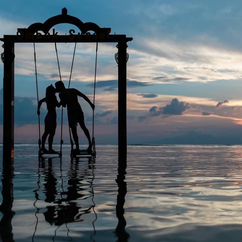 Balancoire dans la mer