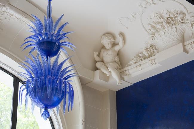 Lustre bleu du restaurant de cuisine cantonaise Lili Chinese