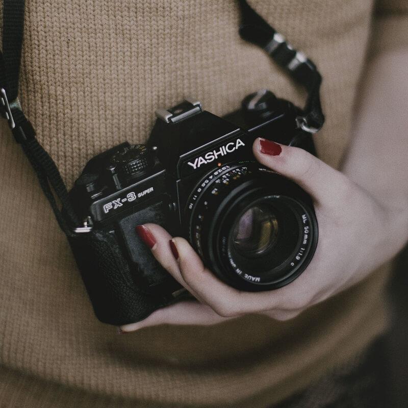 voyageur et appareil photo