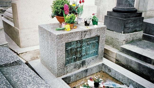 Tombe Jim Morrison - Cimetière du Père Lachaise Paris
