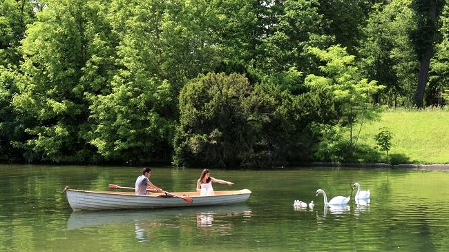 Barque sur le lac du Bois de Boulogne - Parcours du marathon de Paris