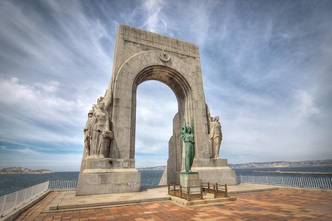 Monument de la Corniche du président JFK - Parcours du marathon de Marseille