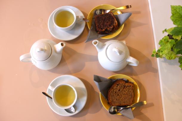 Thé et gâteaux - Instittuti Paris
