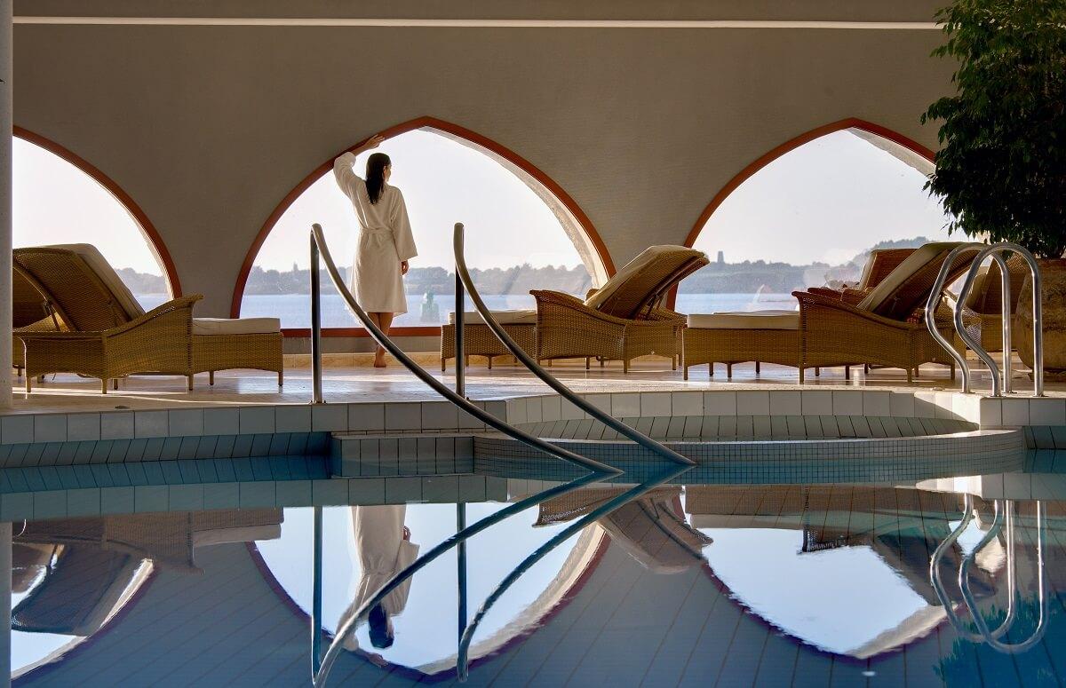 Piscine espace spa - Hôtel Le Domaine de Rochevilaine - Billiers