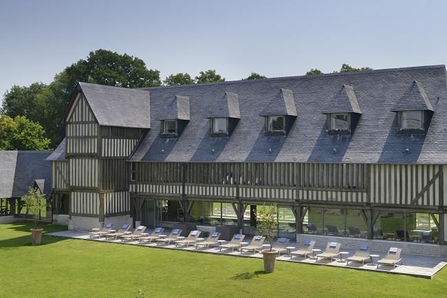 Terrasse espace bien-être - Hôtel Les Manoirs de Tourgéville - Tourgeville-Deauville