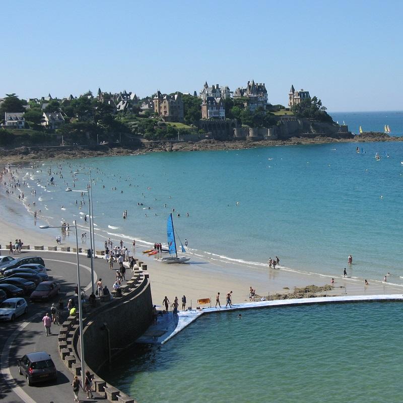 promenade et plage à Dinard