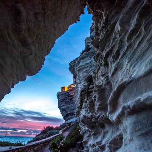 Vue sur les falaises de calcaire de Bonifacio