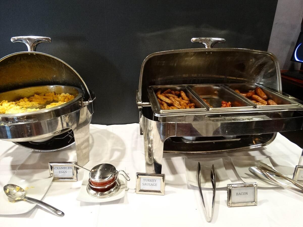 Buffet petit-déjeuner - The Jewel Facing Rockefeller Center - New-York