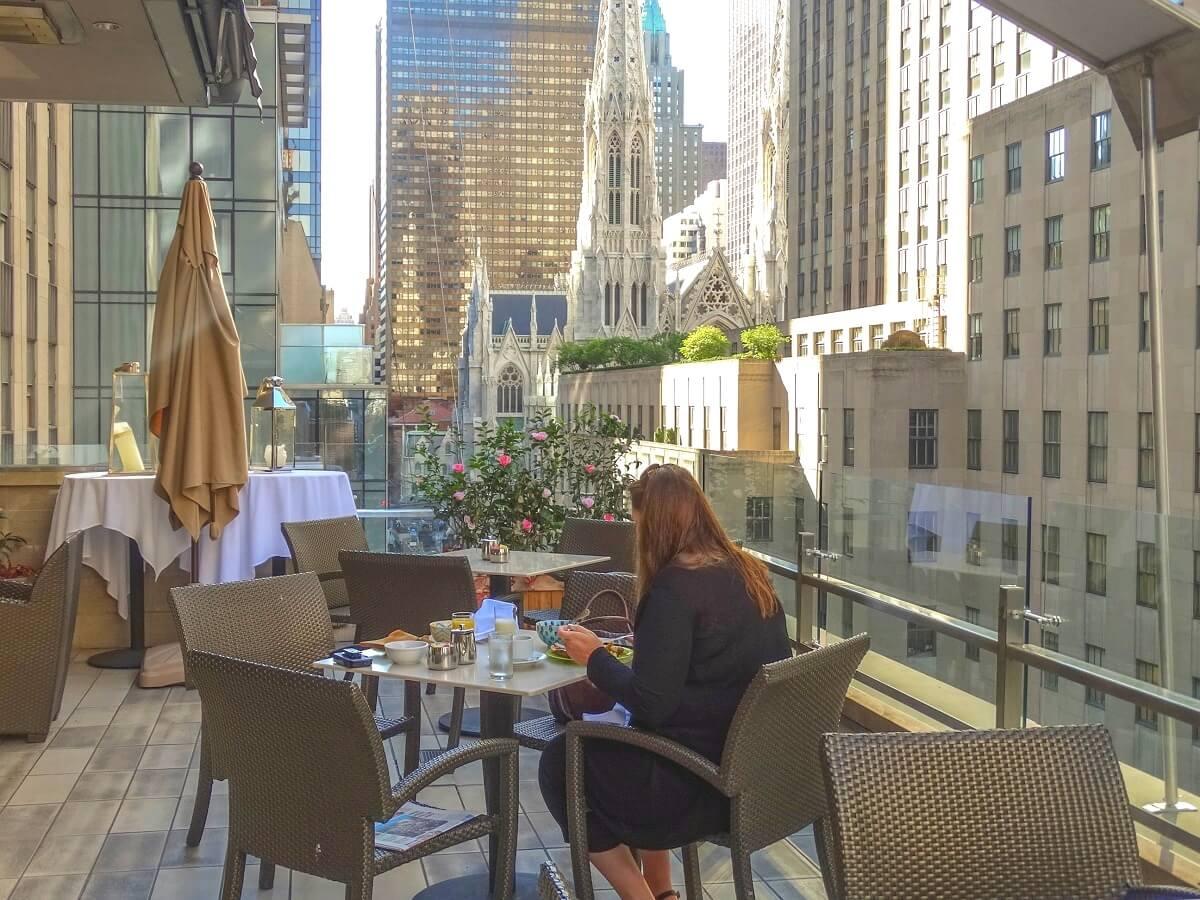 Petit-déjeuner - Hôtel The Jewel Facing Rockefeller Center - New-York