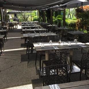 Terrasse du restaurant la Côte et l'Arête