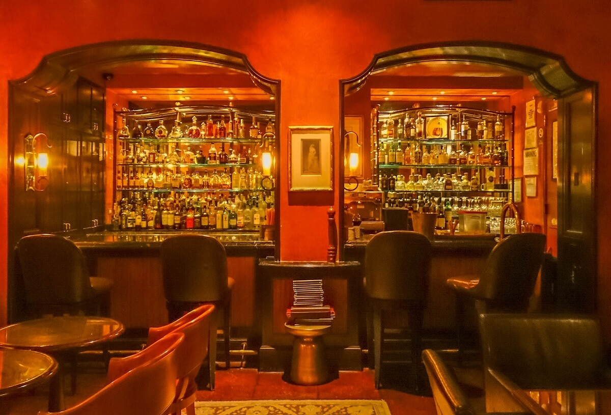Bar - Hôtel Plaza Athénée - New-York
