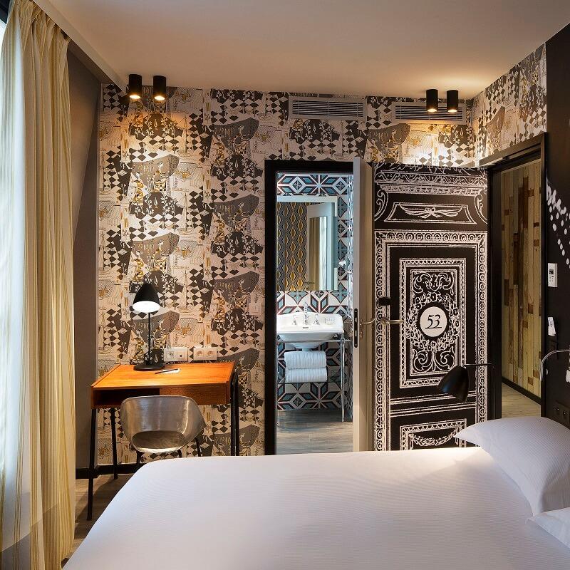 Chambre et salle de bain Balajo - Hôtel L'Antoine - Paris