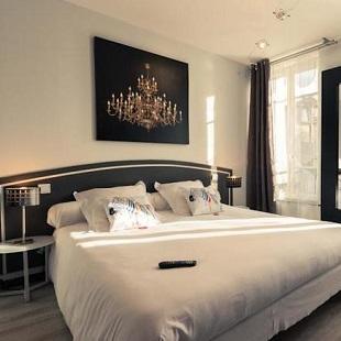 Chambre double à l'hôtel Le Miredames